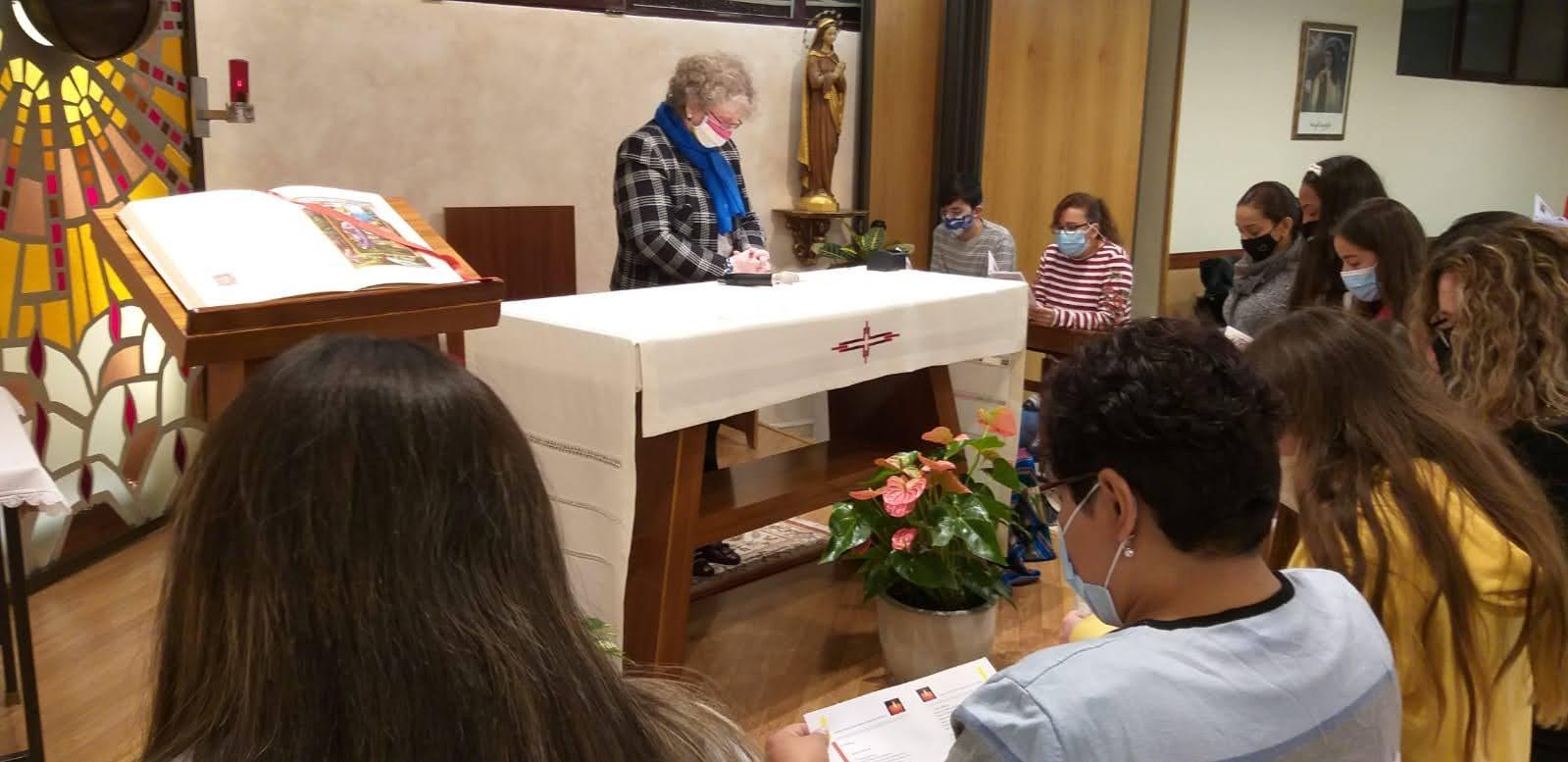 Consagración de familias como Cenáculos familiares a Jesucristo Sacerdote en Madrid